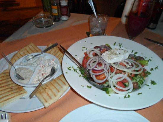 Raphael's Restaurant : Греческий (домашний салат)
