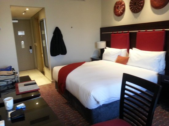 Peermont Mondior at Emperors Palace: Room picture 1