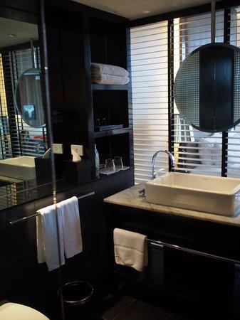 Hard Rock Hotel Pattaya : Bathroom
