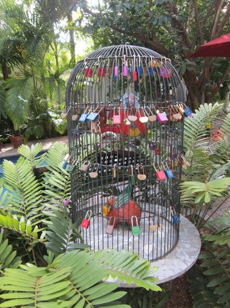 Tropical Inn: Lock cage