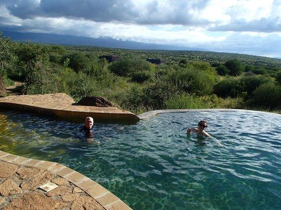 Satao Elerai : Beautiful Pool
