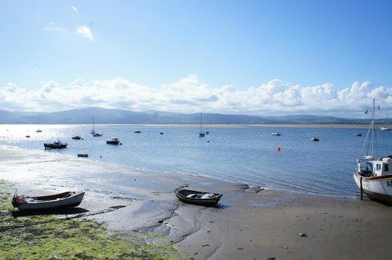 Dovey Inn: Dyfi Estuary