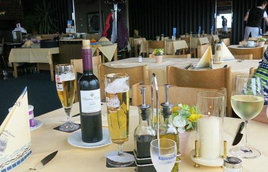 Strandhalle Dorum: die Getränke - und die Pfeffermühlenflasche ;-)