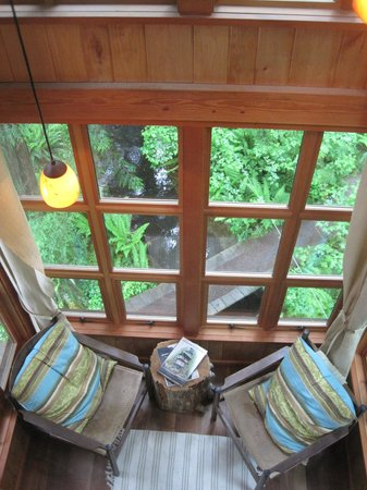 Treehouse Point: Trillium