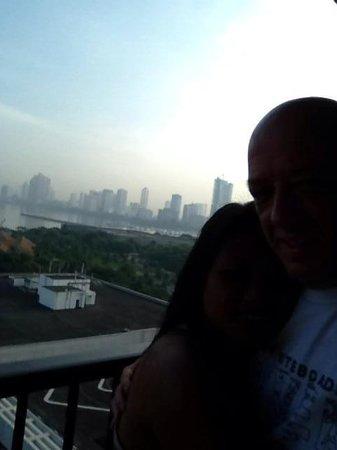 Sofitel Philippine Plaza Manila: Morning Manila