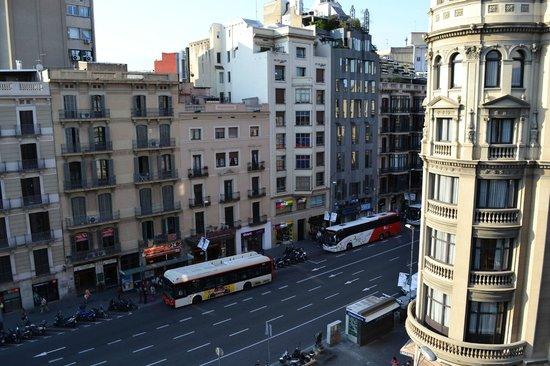 Chic & Basic Lemon: hotel Marvi, Barcellona, vista dalla camera