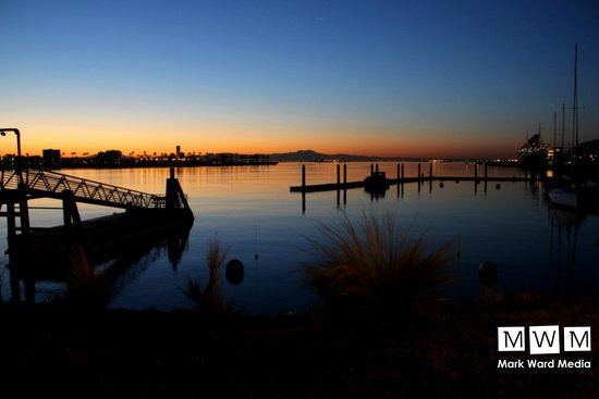 Hotel Maya - a DoubleTree by Hilton Hotel: Dawn in the marina