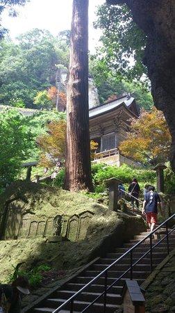 Risshaku-ji Temple: 立石寺下部