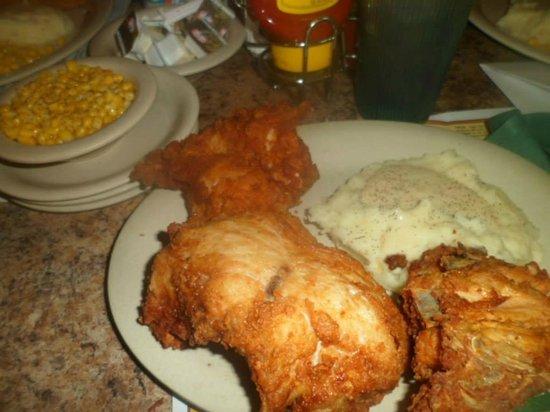 Mrs. Knott's Chicken Dinner Restaurant: So good