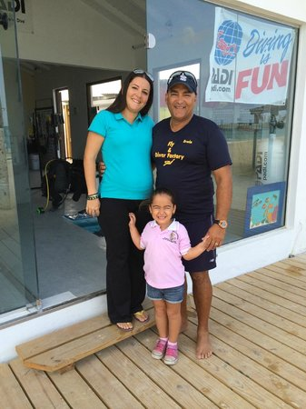Diver Factory Aruba : Paula, Erwin, and the Littlest Diver