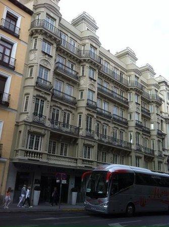 Catalonia Atocha: гостиницаAtocha Catalonia