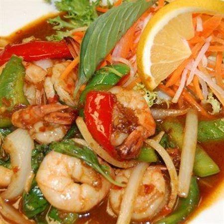 Mai Thai Restaurant : tom yung shrimp soup - spicy