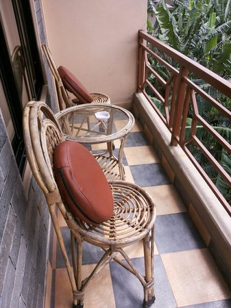 Hotel Orchid: Balcony