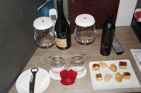 Gran Melia Rome: Birthday Surprise in the room