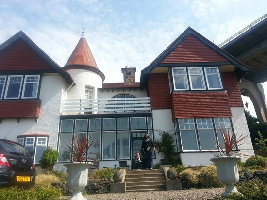 Ferrycraigs House: Front of the house