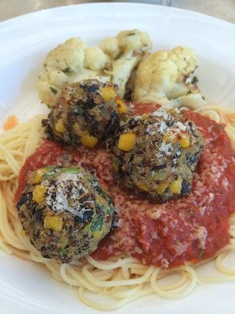 Red Mountain Resort: quinoa meatballs and pasta