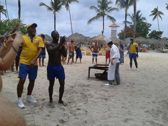 Iberostar Hacienda Dominicus : paella en la playa