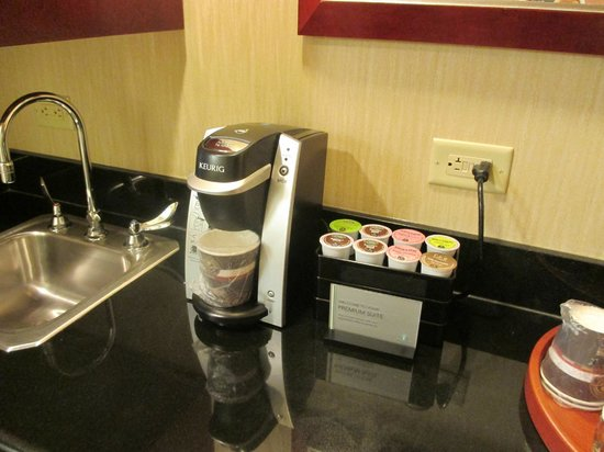 Embassy Suites by Hilton Washington-Convention Center: Premium Suite Perk-Keurig!