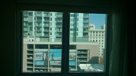 Embassy Suites by Hilton Denver - Downtown / Convention Center : The 'mountain view'