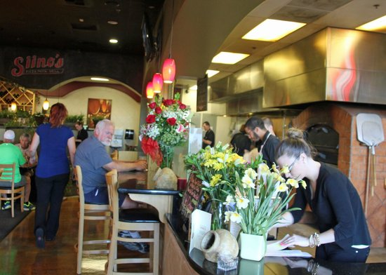 Siino's Pizza-Pasta-Grill: Kitchen and Bar