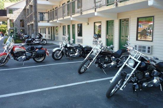 Cherokee Lodge : Motorcycle Friendly