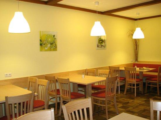 Jugendgästehaus Mondsee: Citrus style
