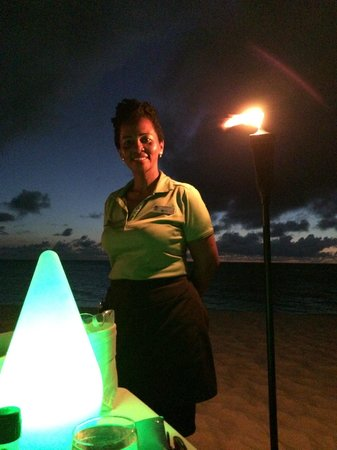 Passions on the Beach : The best server!