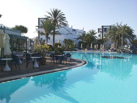 Seaside Los Jameos Playa : Pool area