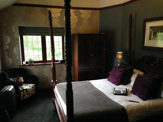 Broadoaks Country House: 'Pine' bedroom
