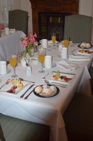 Duggan Place: Breakfast Table