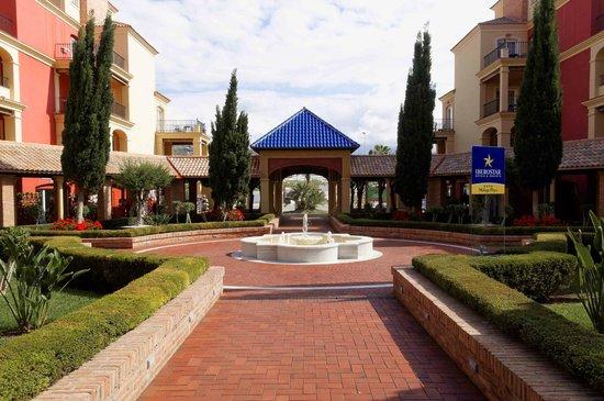 Iberostar Malaga Playa: Blick aus dem Hotel in Richtung Straße