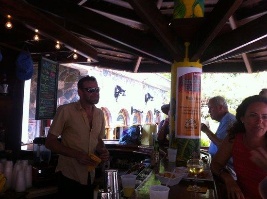 Sun Dog Cafe: Tyler -bartender extraordinaire