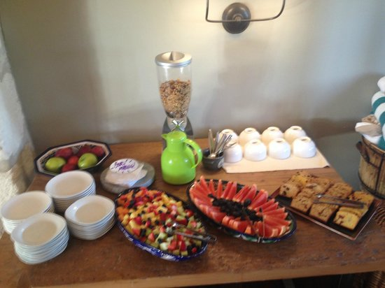 Sage Hill Inn & Spa: Breakfast is served