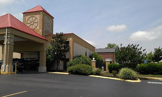 Ramada La Vergne: Very nice property.