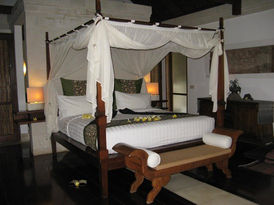 Jamahal Private Resort & SPA : Bed was comfortable enough