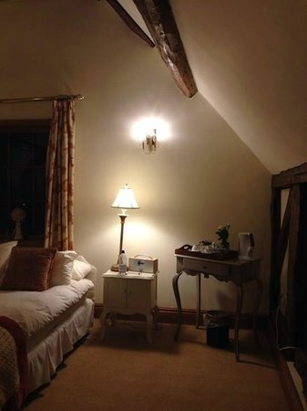 Mickle Trafford Manor: Room