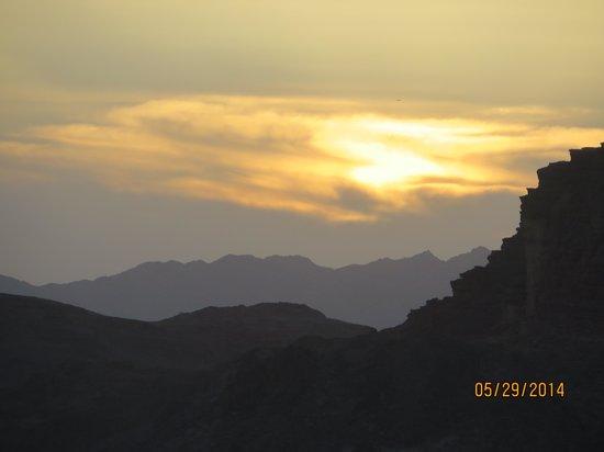 Khaled's Camp : Sunset over Wadi Rum