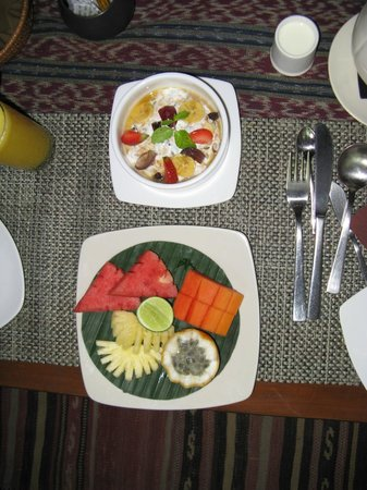 Jamahal Private Resort & Spa : Breakfast was just right.  Their Bircher muesli to die for.