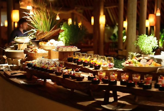 Dessert buffet - Picture of Soneva Fushi, Kunfunadhoo ...