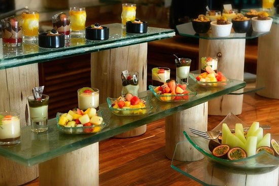 Soneva Fushi: Small selection of the many desserts