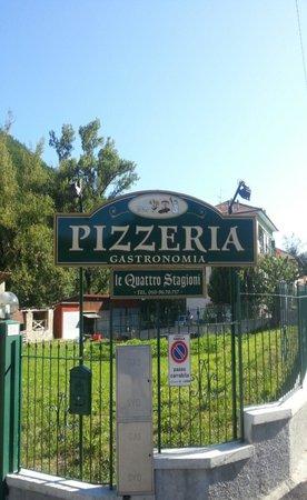 Ristorante pizzeria le quattro stagioni in genova con for Quattro ristoranti genova