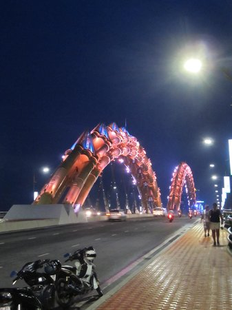 Dragon Bridge: Humps turned to bronze