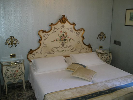 Hotel Concordia: Комната
