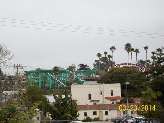 Carousel Beach Inn: View from balcony