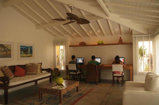 La Chimere: Cyber Lounge