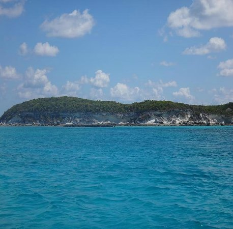 Staniel Cay Yacht Club: 1