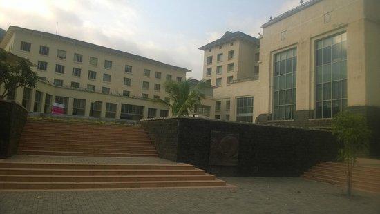 Fortune Select Dasve, Lavasa: The facade
