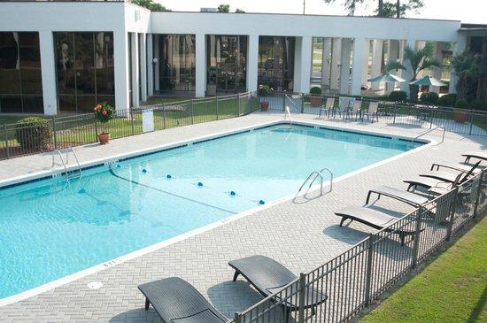 The Landmark Inn: Pool