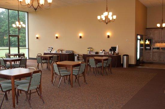 The Landmark Inn: Dining Room