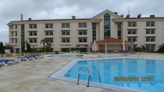 Riviera Hotel Carcavelos: Открытый бассейн